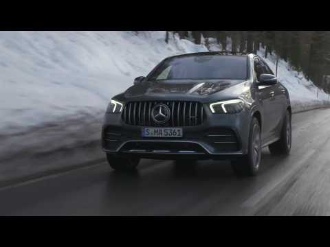 Mercedes-Benz GLE 53 4MATIC+ Coupé in Selenite gray Driving Video