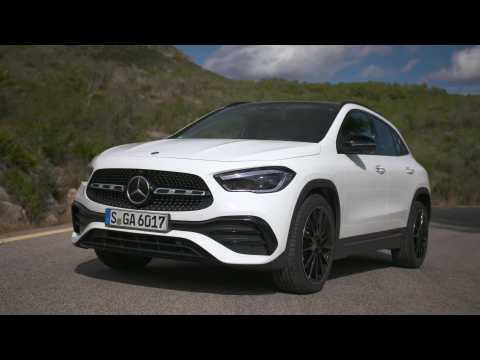 The new Mercedes-Benz GLA 250 4MATIC Design in White metallic