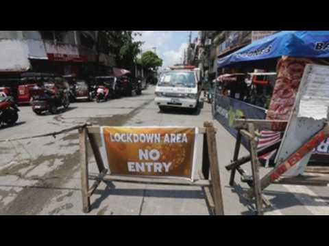 Manila struggles to handle COVID-19 pandemic despite world's longest lockdown