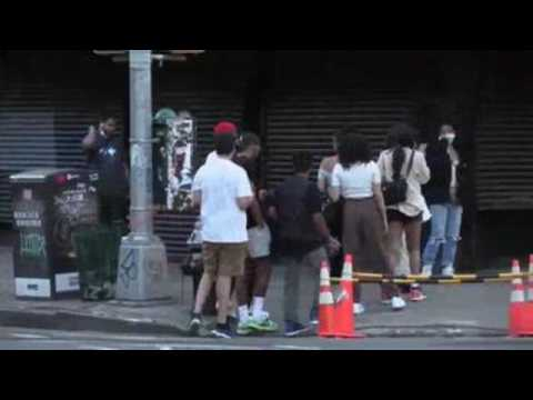 New Yorkers seen breaching social distancing measures