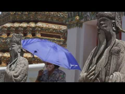 Wat Pho temple closed for foreign tourists to stop spread of Covid-19