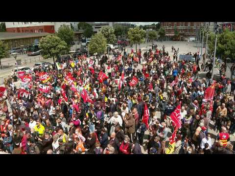Renault employees protest against closure of Choisy-le-Roi factory