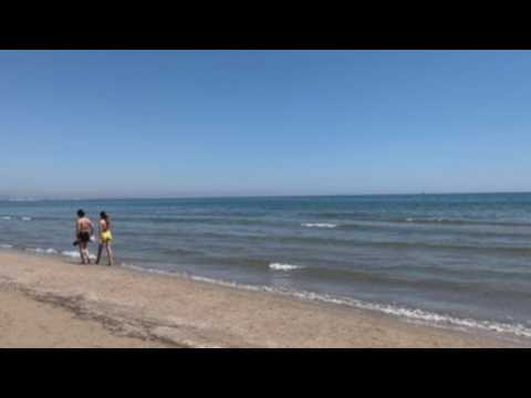 Valencia's beaches prepare for tourism after pandemic