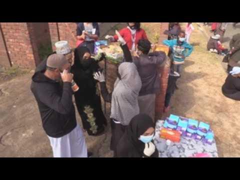 Johannesburg's Muslim community distributes food among needy people