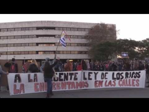 Uruguayans ignore isolation, protest against key government law