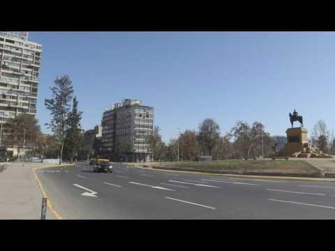 Chile capital silenced amid lockdown over COVID-19 surge