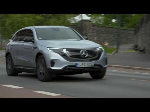 Mercedes-Benz EQC 400 4MATIC high tech silver metallic Driving Video