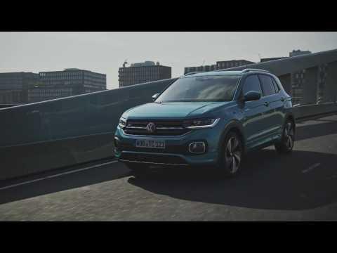 The new Volkswagen T-Cross Driving Video in Blue