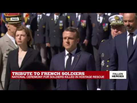 Tribute to French soldiers: military band plays La Marseillaise