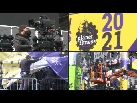 Crew prepares for New Year's Eve performances at Times Square