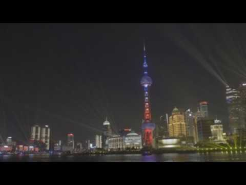 Shanghai welcomes New Year with light show
