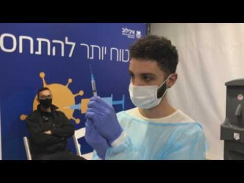 Israel campaigns nationwide COVID-19 vaccination