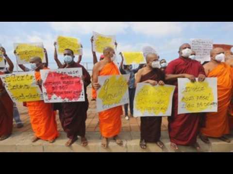 Buddhist monks in Sri Lanka demand mandatory cremation of COVID-19 victims
