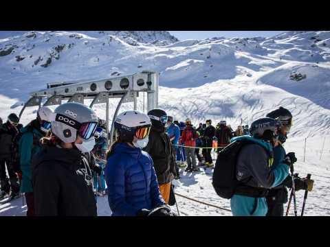 Verbier: British tourists flee COVID quarantine at Swiss ski resort