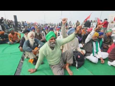 India farmers continue to protest against new farm bills in New Delhi