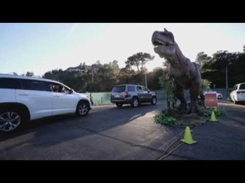 Jurassic Quest holds drive-thru dinosaur experience in California