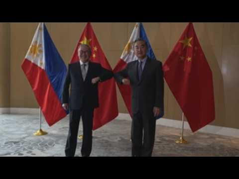 Chinese Minister of Foreign Affairs, Wang Yi, visits Manila
