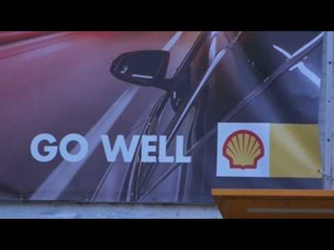Shell oil company lost over 21 billion dollars in 2020