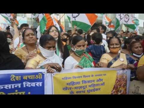 Women lead farmers' protest in New Delhi