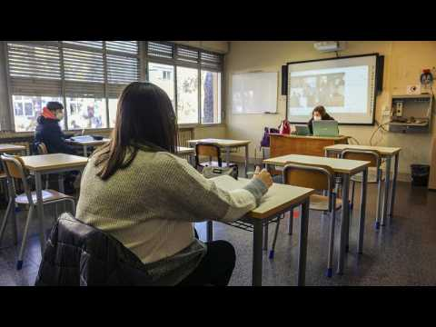 COVID-19: Four further Italian regions reopen their secondary schools