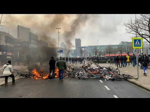 Anti-curfew protesters clash with police in Eindhoven