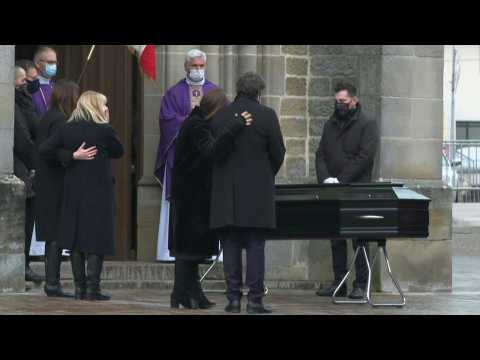 Mourners gather to honour French cinema actor Robert Hossein
