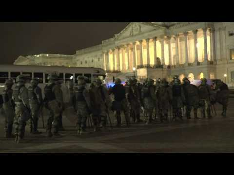 National Guard arrives at US Capitol as curfew comes into force
