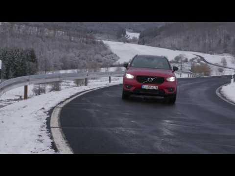 Volvo XC40 PHEV - Recharge T4 R-Design Driving Video