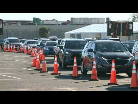 Miami: long lines at Covid-19 testing site as the US surpasses 15 million cases