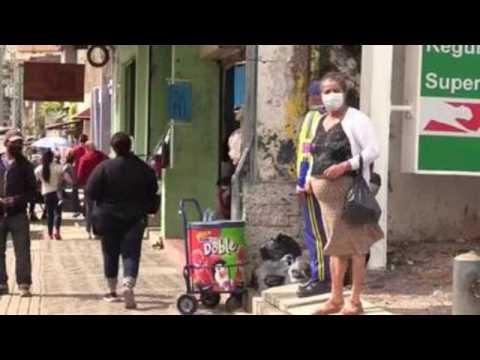 Hondurans to receive Christmas bonus prioritize food, health