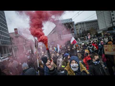 Thousands protest in Warsaw against abortion reform and PiS government