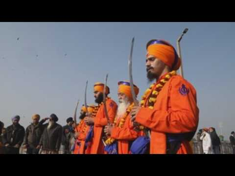 Sikhs join annual procession ahead of of tenth Sikh Guru's birth anniversary amid pandemic