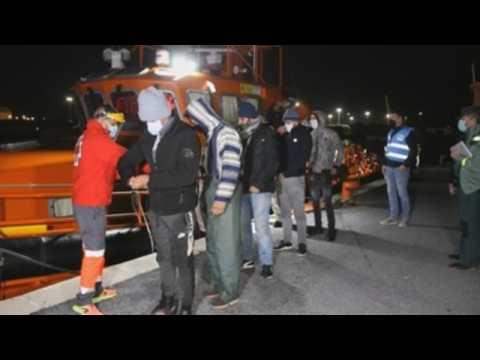 18 migrants rescued near the coast of Granada