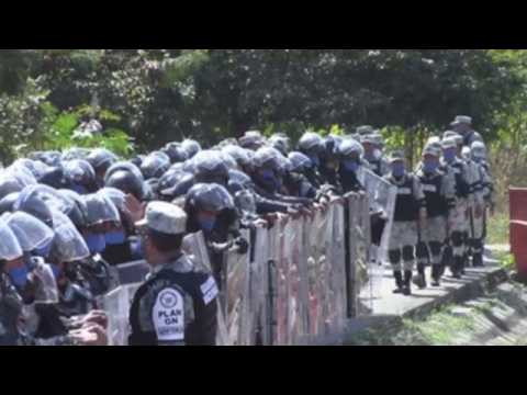 Mexico sends National Guardsmen to control migrants at Guatemalan border