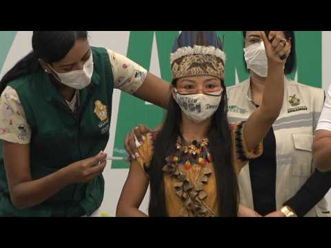 Indigenous nurse becomes first person vaccinated against Covid in Amazonas