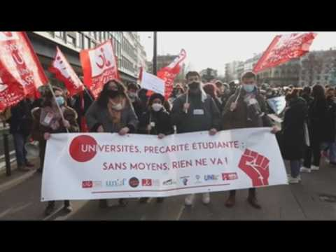 Students protest Covid-19 restrictions in Paris