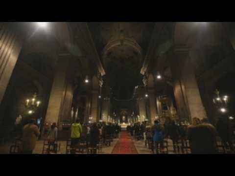 Christmas Eve mass held in Paris