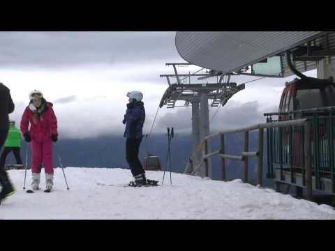 Austria ski resorts reopen despite looming third lockdown