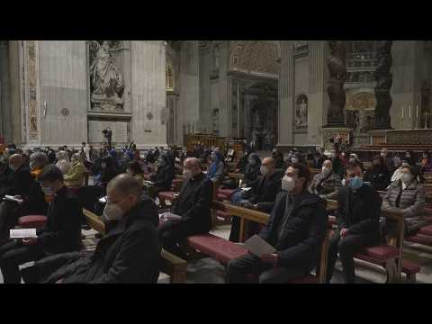 The pope celebrates the loneliest mass due to the pandemic