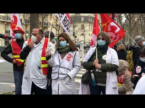 France: Hospital workers demand more resources to fight COVID-19