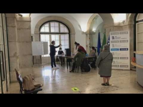 Portugal holds presidential election amid spike in coronavirus infections