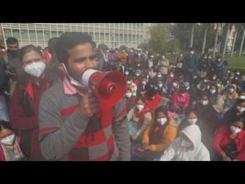 Indian nurses go on strike over better salary