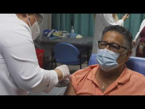 Puerto Rico begins vaccination against covid-19