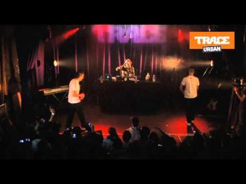 sniper - Aketo et Tunisiano de Sniper se clashent en mode Rap Contenders (concert privé TRACE Urban)  (Interview)